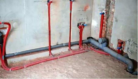 Внутренняя разводка канализации поверх этажного перекрытия