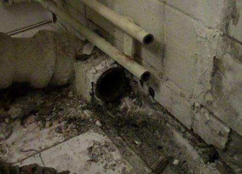 Демонтаж чугунной канализации