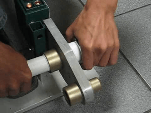 как соединить трубы ПВХ