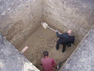 как выкопать выгребную яму
