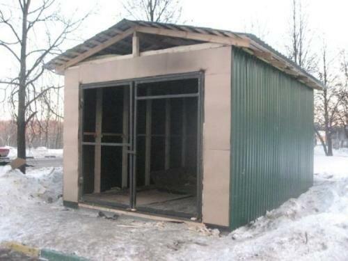 Любительское фото готовой конструкции без установленных ворот