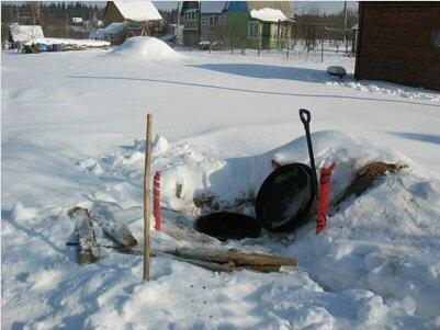 Работы в зимний период времени осложняются низкими температурами, снегом и замерзшим грунтом