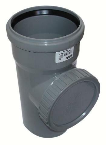 Резиновое кольцо нужно обильно смазывать жидким мылом и аккуратно вставлять в паз, на фото показана та самая ревизия, которая обеспечивает доступ внутрь без разборки конструкции