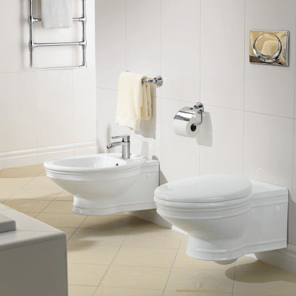Так навесную сантехнику изображают в рекламных проспектах. Полно, много ли туалетов такой площади в типовых городских квартирах?