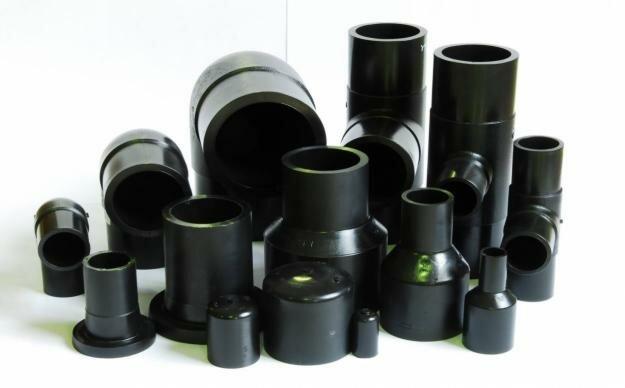 Труба канализационная ПНД может быть соединена различными видами фитингов для стыковой сварки