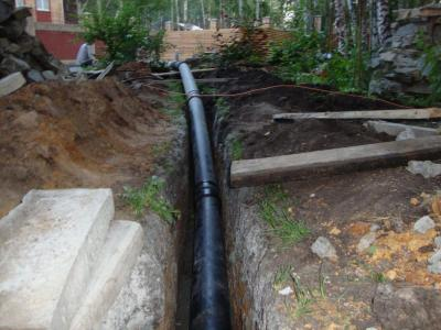 Труба ПНД канализационная: наружная укладка