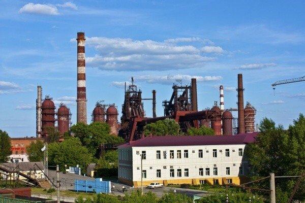 Трубный завод в Липецке.